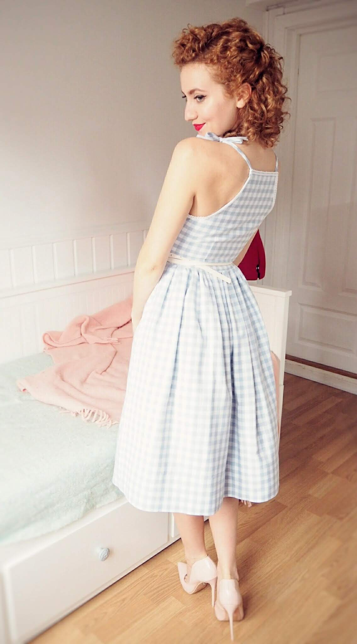 free dress sewing tutorial, DIY Vintage Dress, diy vintage gingham dress, 1950's dress, vintage summer dress, sewing vintage, vintage dress, 50's dress, vintage fashion #freesewingtutorial #dresssewingtutorial #vintagedress #50sdress #vintageclothes #diydress